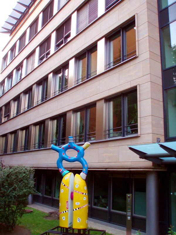 'urknall' GEWOBAG berlin schwedter strasse 8, kunststoff, 2012