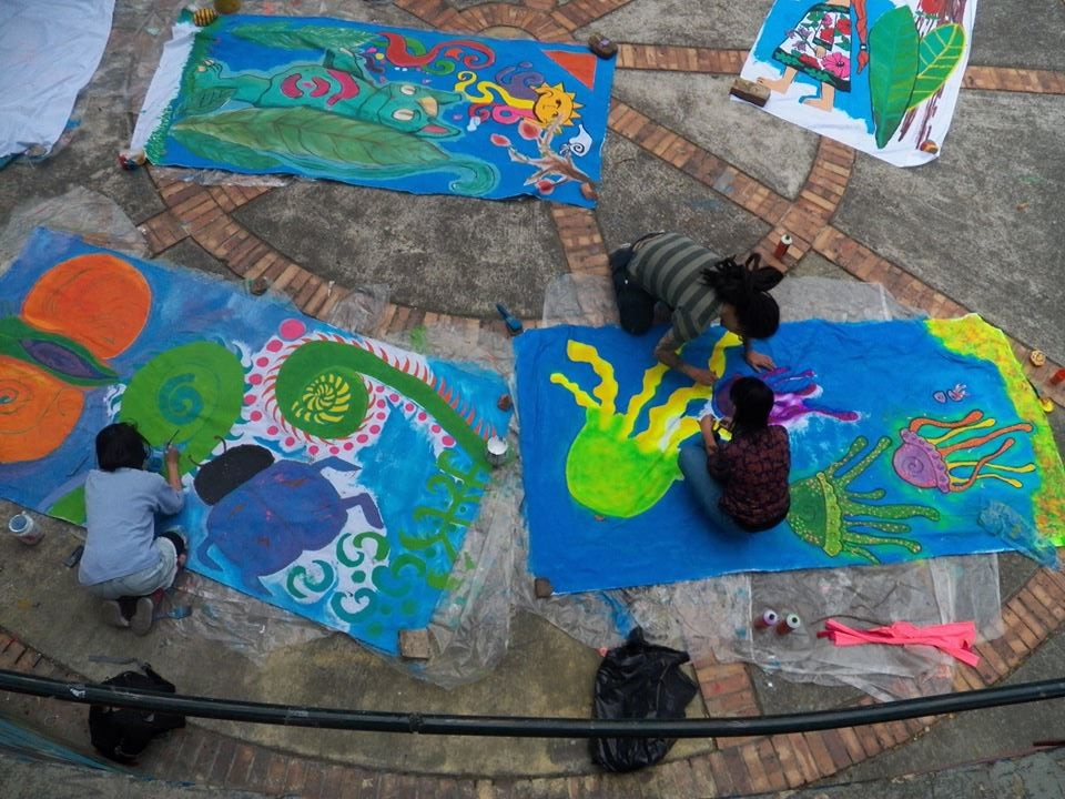 painting for public people bogota 14